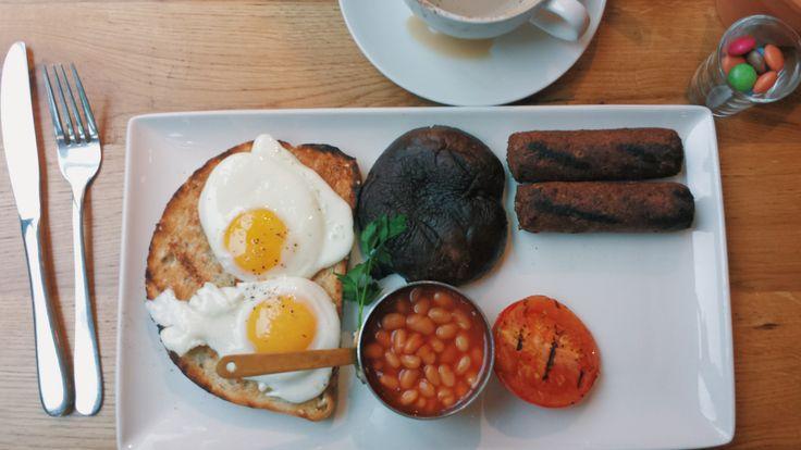 Vegetarian breakfast . London. Вегетарианский завтрак.