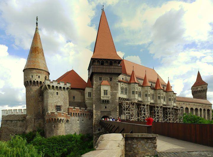 Bran Castle: http://www.discoveringtransylvania.ro/castles/corvin-castle/ #brancastle #discoveringtransylvania #castelulbran