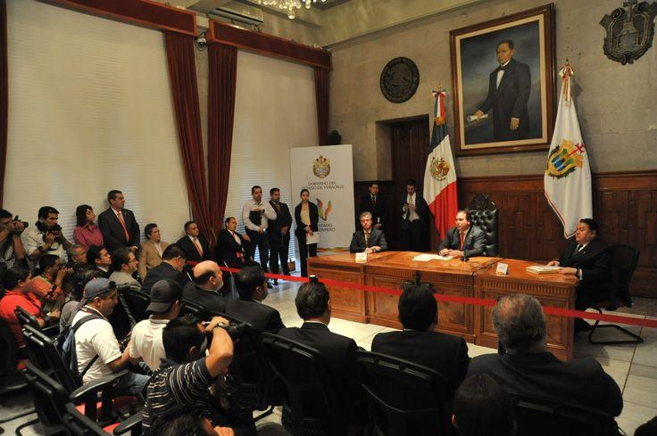 Durante la conferencia de prensa ofrecida por el gobernador Javier Duarte de Ochoa, reafirmó su compromiso con el bienestar del pueblo veracruzano.