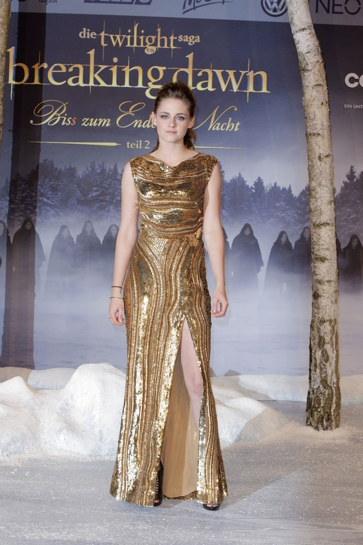Kristen Stewart was gilded in a gold Elie Saab fall 2012 gown at the 'Twilight Saga: Breaking Dawn - Part 2' premiere in Berlin. Photo: Away! / PR Photos