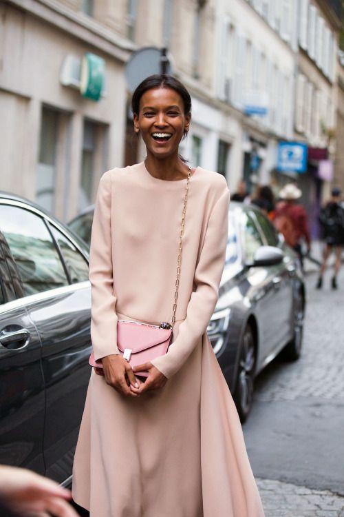 "morethanmannequins: ""  Street Style at Paris Fashion Week, October 2016 "" http://spotpopfashion.com/d4av"