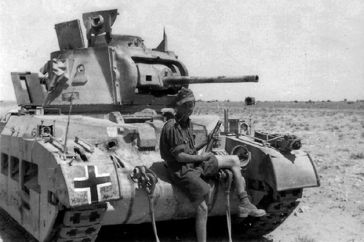 "5 rare pics of captured British tank Matilda II ""Dreadnought"" with German Afrika Korps markings"
