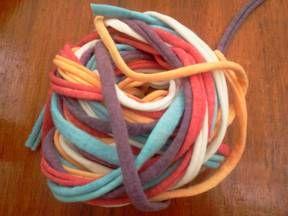 Tejer a crochet  con bolsas plasticas y trapillo...con video explicativo