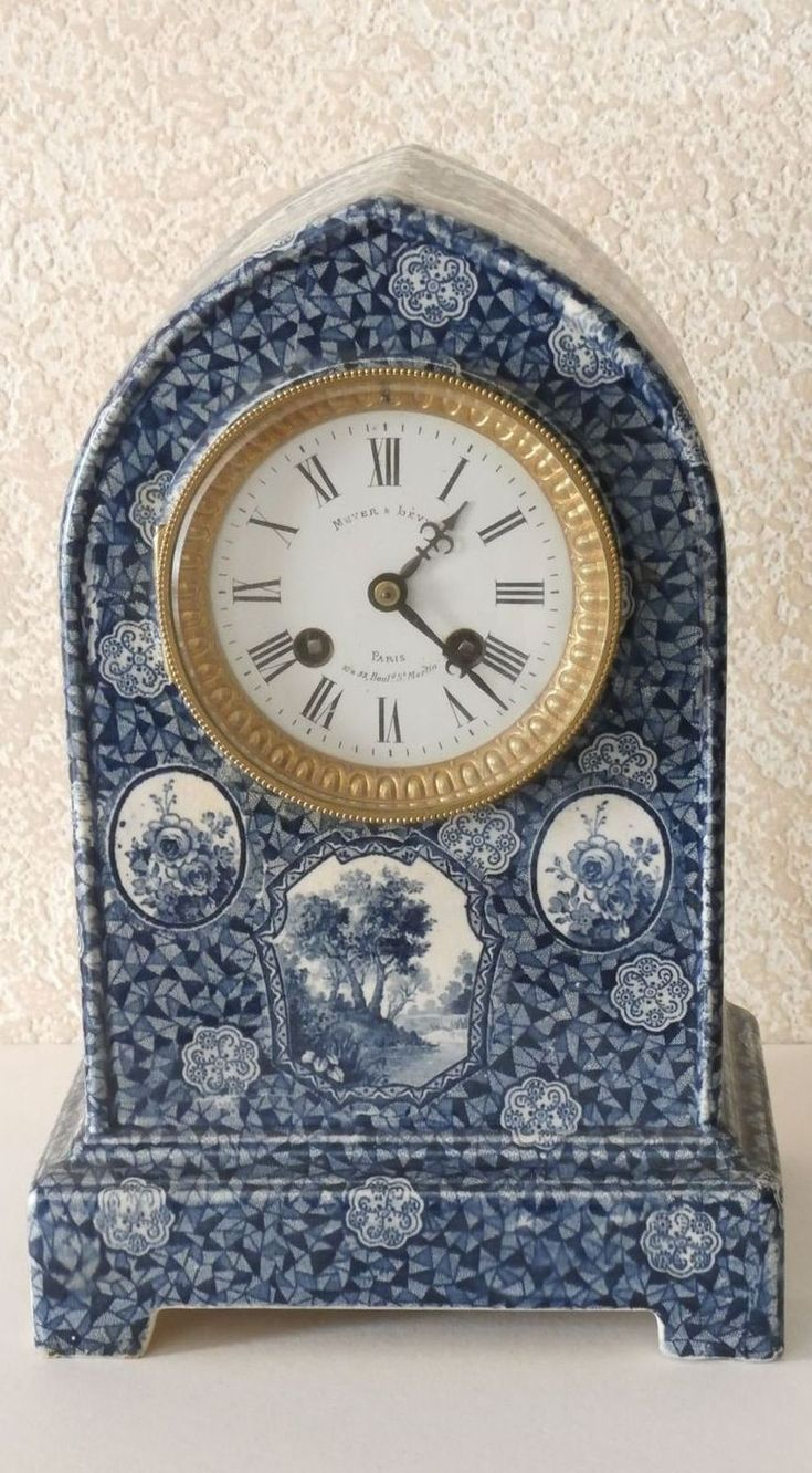 Rare Antique French Vincenti & Cie c1855 Beehive Porcelain Mantel Clock.