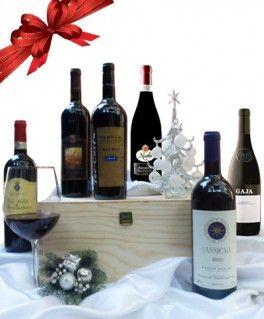 €336,07 http://www.oilwineitaly.com Regalo Vini Pregiati Italiani. Non è un caso, infatti, che le eleganti confezioni regalo in legno e le cosiddette gift box,  più bottiglie che rappresentano della vere perle dell'enologia italiana , siano tra i regali più gettonati e prestigiosi.