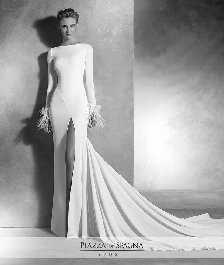 Eleganti, particolari, esclusivi. Con gli abiti da #sposa firmati #AtelierPronovias, è amore a prima vista. Scoprili tutti su http://www.piazzadispagnasposi.it/collezioni/sposa/atelier-pronovias-2017/