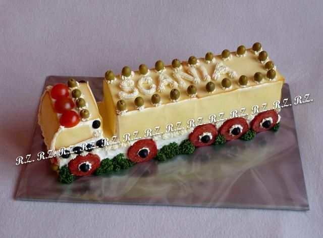 Slané, strana 9   dorty od mámy Slaný kamion