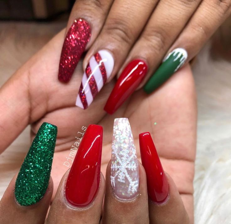 @Vannah2399 † | Winter/ xmas nail art | Pinterest | Nails ...