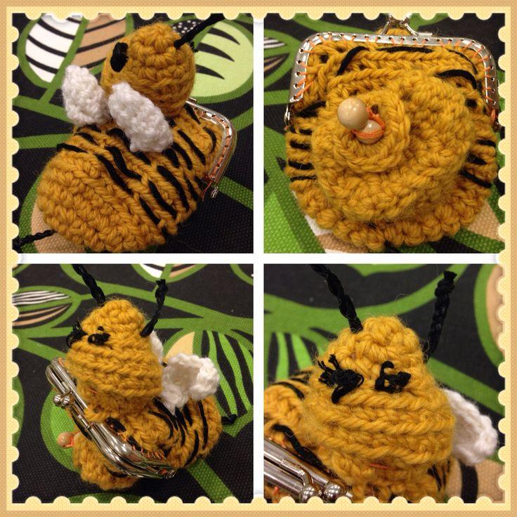 Ampparikolikkopussi/Crochet coin purse by Aino