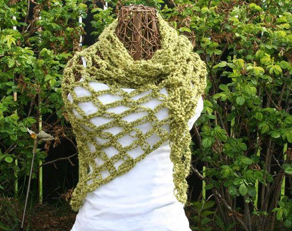 Crochet Celtic Love Knot Shawl Wrap In Green by JennisCrochet,