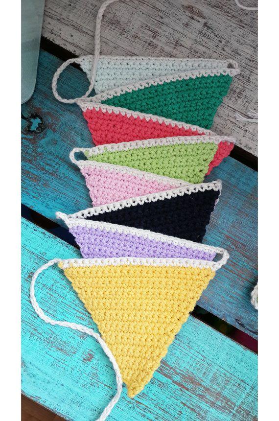 Banderines de triángulos en Crochet hechos a mano por LmpEnReDaDoS