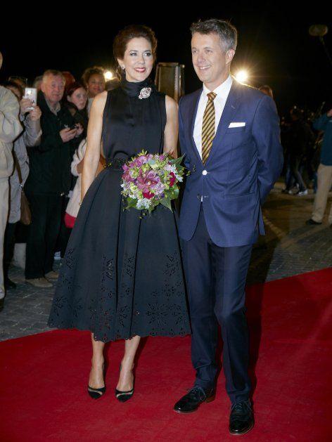 Mit diesem Kleid traf Kronprinzessin Mary ins Schwarze! Klick: Ihre schönsten Roben