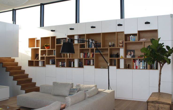 We love the work of architect Filip Janssens and would love to work with him and make such lovely made-to-measure storage solutions. #livingroom for our made-to-measure work please visit www.upgrade-interieur.be