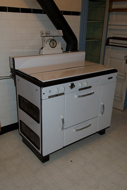 yes: Gas Cook, Beautiful Stoves, Vintage Stoves, Hoosier Cabinets, Antique Stoves, 002 Dsc 5872, Fun Memories, Cooking Appliances