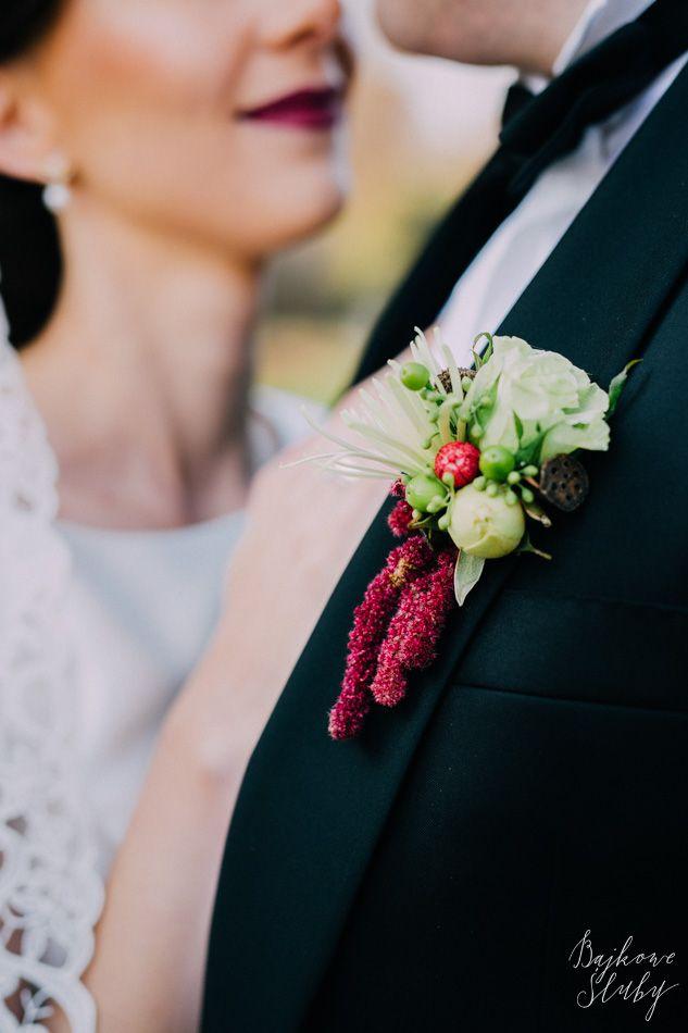 wedding / butonierka /  fot. Bajkowe Śluby