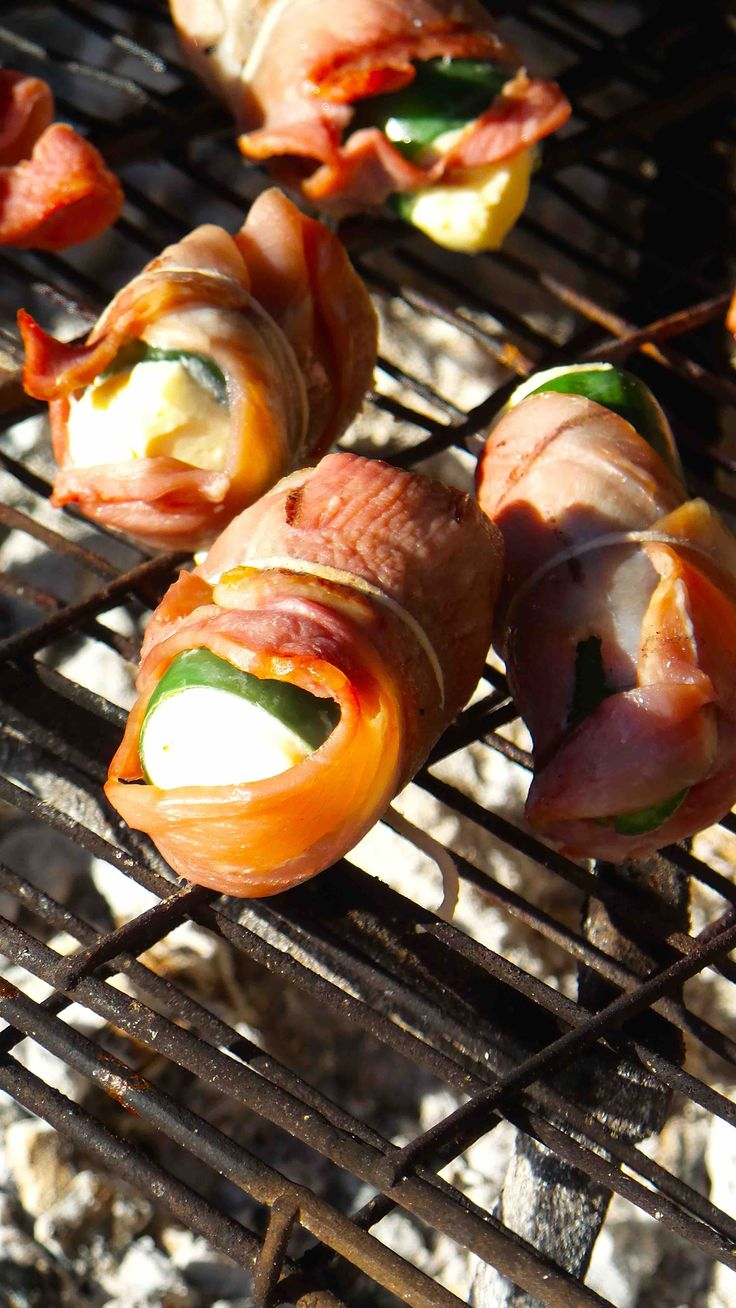 Chilli Poppers on the braai. Tapas style entertainment snacks. Best served with craft beer or Chenin blanc.