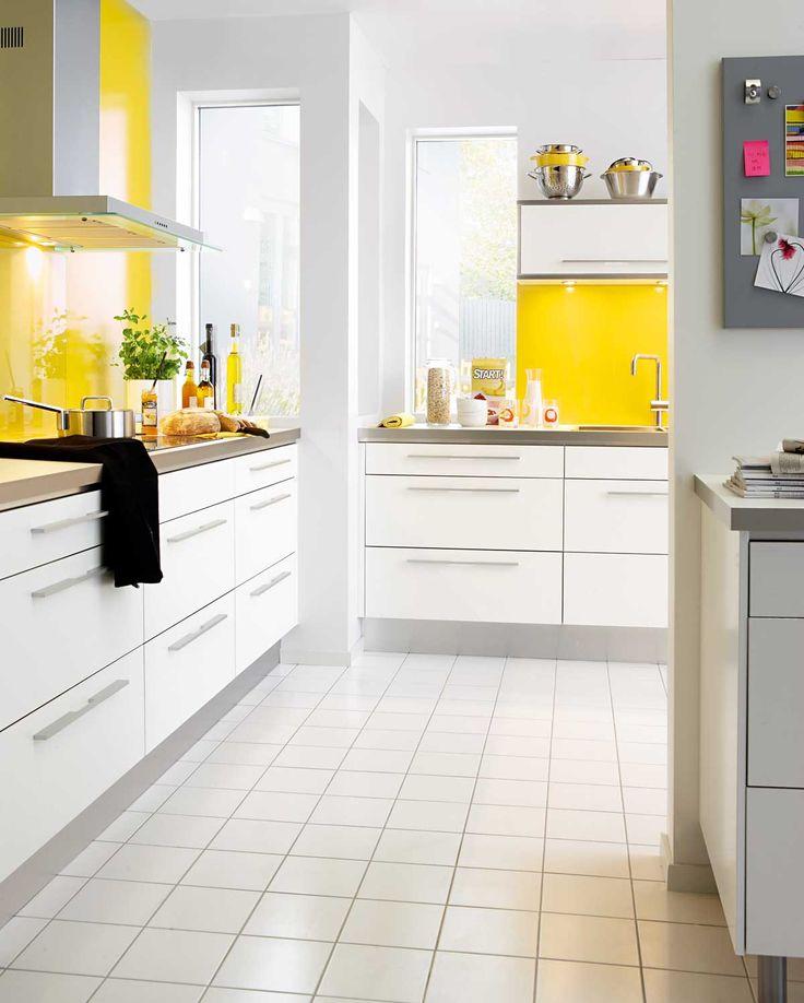 Nyfiken på moderna kök? Köksserien City från Ballingslöv är ett vitt, modernt kök. Hitta din köksinspiration hos Ballingslöv!