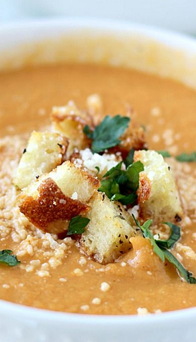 Creamy Roasted Cauliflower and Red Pepper Soup