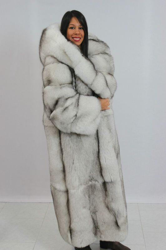 53 best DariaFur images on Pinterest | Fur coats, Fox fur and Furs