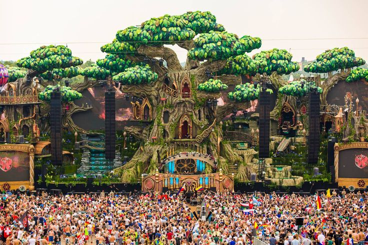 #tomorrowland 2016 @lidiaspringer