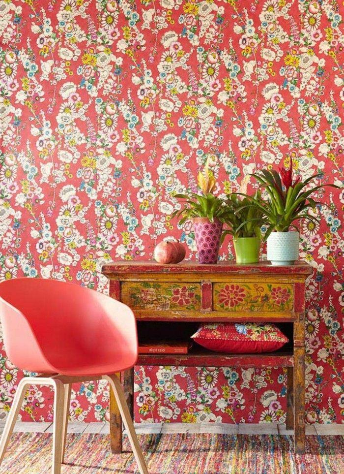 Die Tapeten Verleihen Dem Wohnzimmer Eigenen Charakter. Wenn Sie Aber Nach  Wohnzimmer Tapeten Ideen Suchen, Nehmen Sie Auf Die Einrichtung Rücksicht.