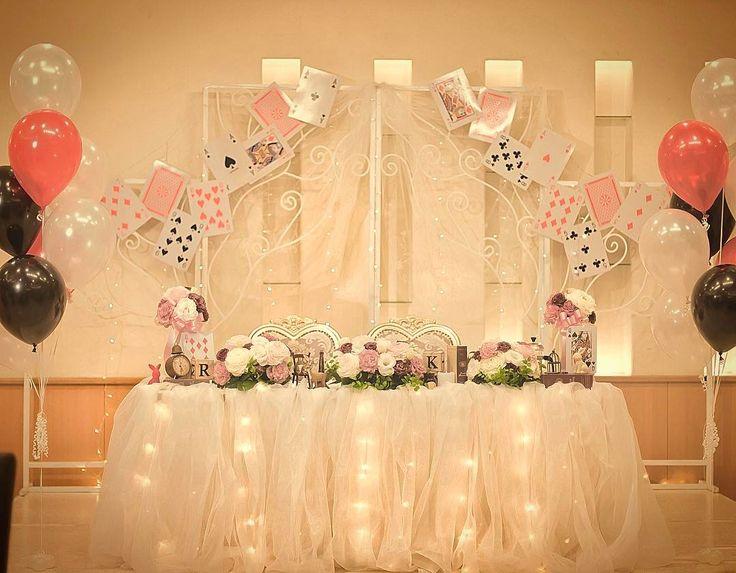 「#トランプ がモチーフの楽しいテーブルコーディネート♡  #NBC #沖縄 #沖縄市 #沖縄結婚式 #沖縄ウェディング #wedding #okinawawedding #weddingreport…」不思議の国のアリス alice in wonderland