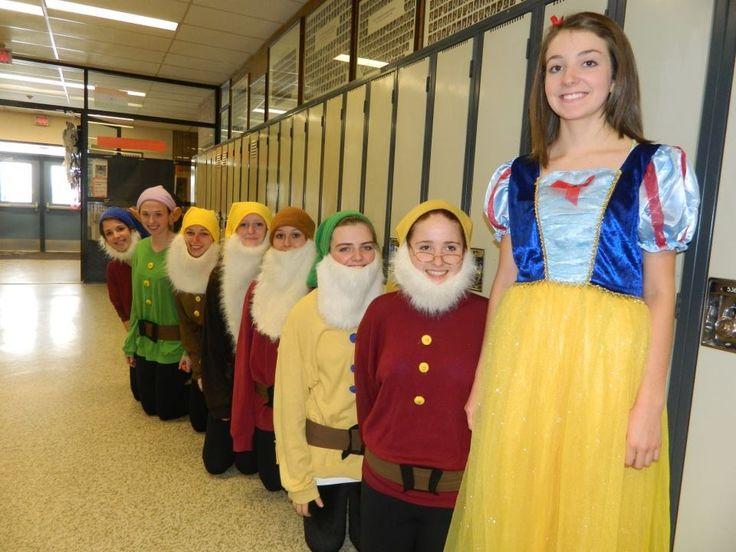group 7 dwarfs costumes happy