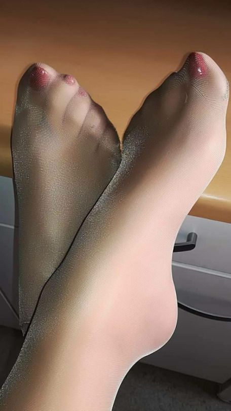 Close Up On Feet And Soles In Pantyhose By Playfulperverts On Deviantart