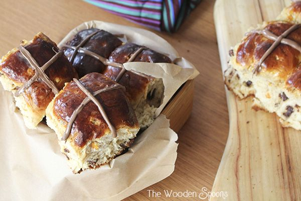 Chocolate and Orange Hot Cross Buns | The Wooden Spoons