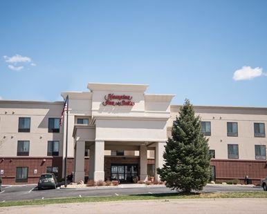 Hampton Inn & Suites Greeley Hotel, CO - Exterior Front
