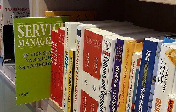 Super, het boek 'Service Management' van Jos Gielkens bij boekhandel Scheltema in Amsterdam. #servicemanagement #josgielkens #scheltemaboek #futurouitgevers