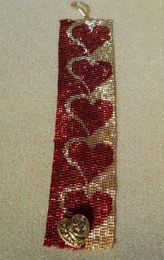 Hearts For You Beaded Bracelet van ohclaudia op Etsy