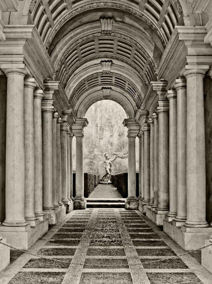 Francesco Borromini, Galleria di Palazzo Spada (1635) Roma