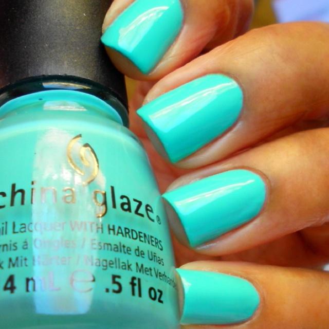 NAILS - China glaze - Aquadelic | I love this color its so bright and summery :)