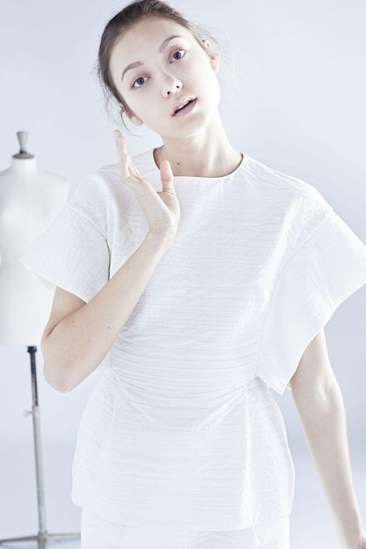 sleeveless shibori top