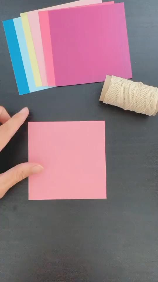 Cool Paper Crafts, Paper Crafts Origami, Diy Crafts For Gifts, Diy Home Crafts, Creative Crafts, Diy Paper, Diy Bff Gifts, Diy Gifts Paper, Diy Gifts Videos