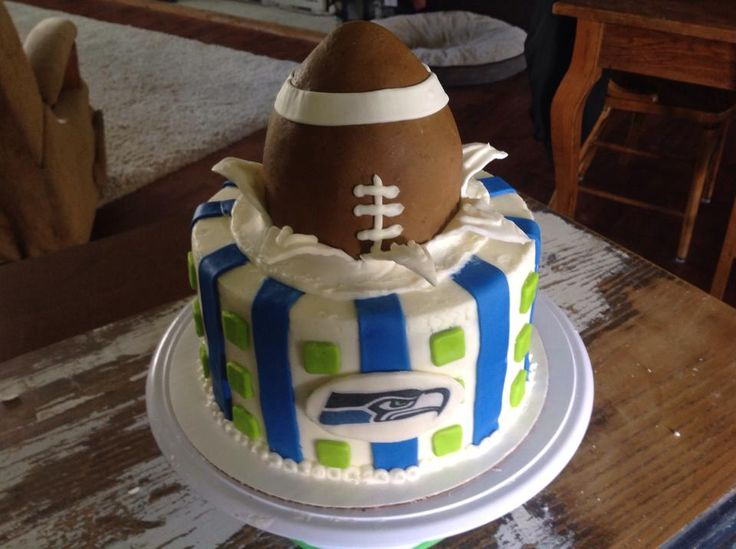 Seahawk Cake Cool Cakes Cupcakes Pinterest Cakes