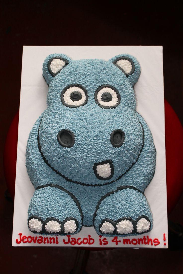 little cartoon hippo cake