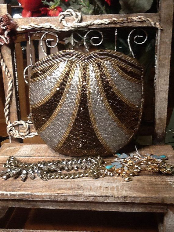 Vintage Mint Conditioned Beaded Coin purse by Stylishiddentreasure