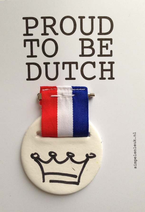 proud to be dutch | kroontje broche | simpel