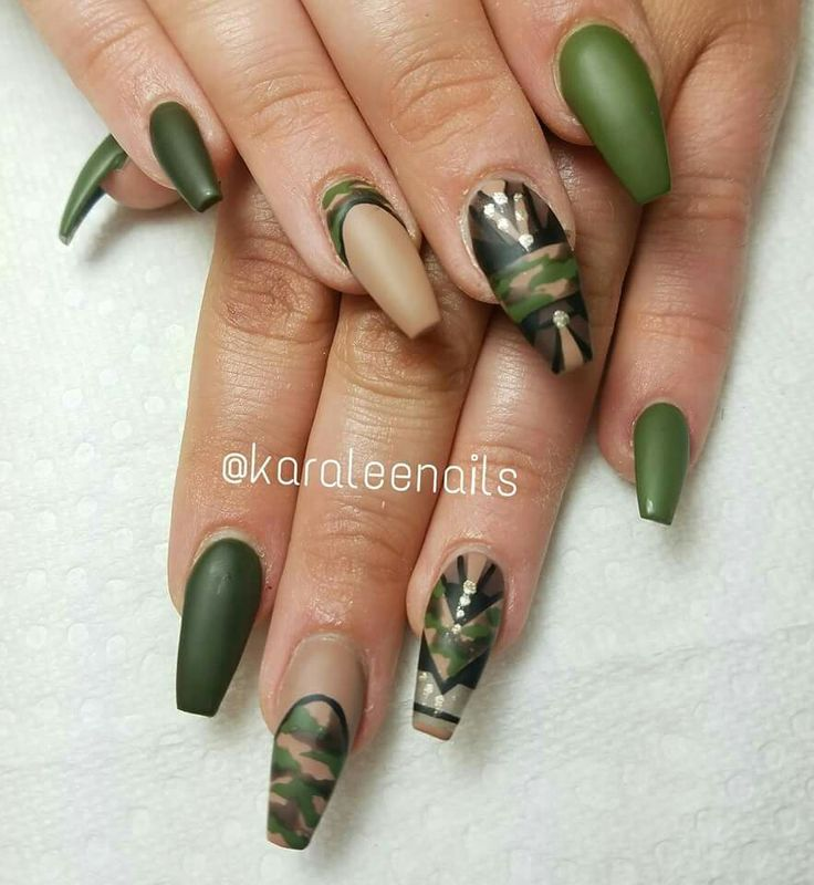 Camouflage nails by @karaleenails