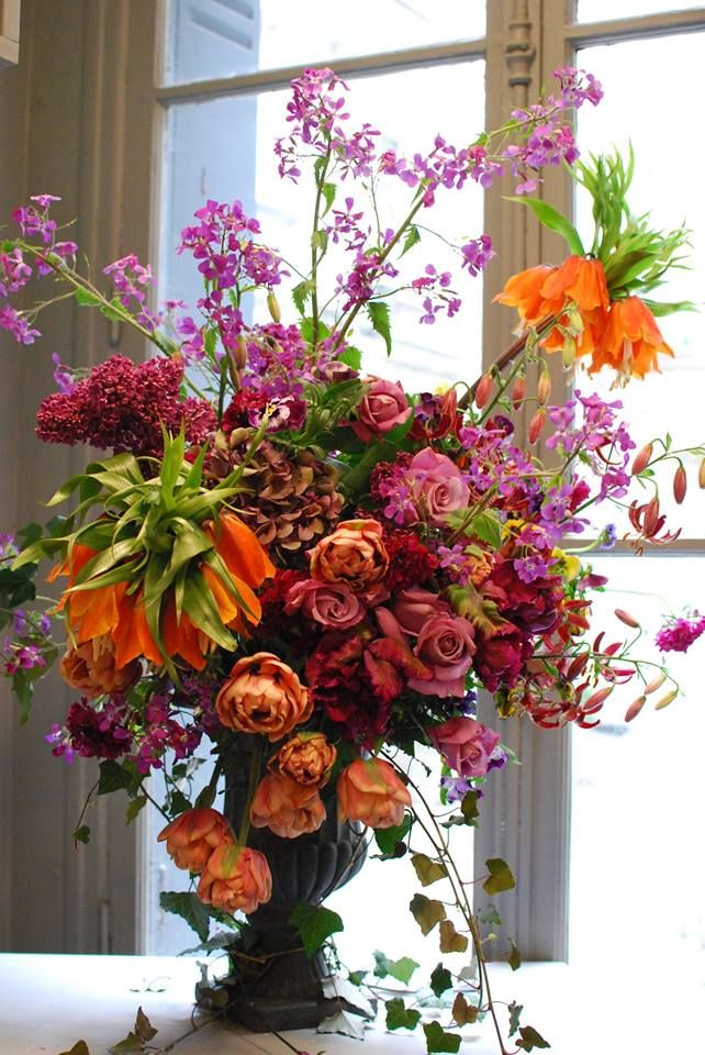 Catherine Muller Flower School in London on Elizabeth Street and Paris on Rue des Pyramides - floral arrangement made with beautiful Frittilaries ❁^^ ♡.. .~*~.❃∘❃✤ॐ ♥..⭐.. ▾ ๑♡ஜ ℓv ஜ ᘡlvᘡ༺✿ ☾♡·✳︎· ♥ ♫ La-la-la Bonne vie ♪ ❥•*`*•❥ ♥❀ ♢❃∘❃♦ ♡ ❊ ** Have a Nice Day! ** ❊ ღ‿ ❀♥❃∘❃ ~ WED 6th JAN 2016!!! .. .~*~.❃∘❃✤ॐ ♥..⭐..༺✿ ♡ ^^❁
