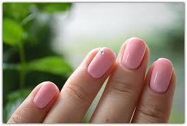 Znalezione obrazy dla zapytania paznokcie hybrydowe ślubne