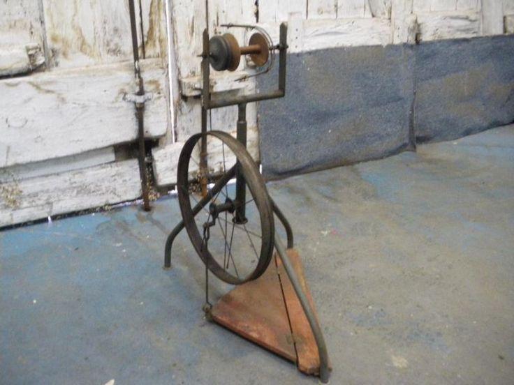 http://kleinanzeigen.ebay.de/anzeigen/s-anzeige/flohmarkt-altes-spinrad-fuer-liebhaber/276923806-250-4722?ref=search