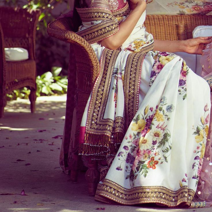 Sabyasachi Spring-Summer 2018: An Endless Summer  Photo Courtesy: Tarun Vishwa #TarunVishwa Location Courtesy: Taj Falaknuma Palace, Hyderabad @tajfalaknuma  #Sabyasachi #AnEndlessSummer #SpringSummer2018 #SS18 #DestinationWeddings #TheWorldOfSabyasachi @bridesofsabyasachi @groomsofsabyasachi