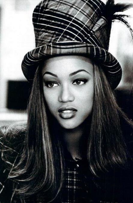 Black 90 S Fashion | The High Fashion World of the 90s!... - MosaMuse - MosaMuse