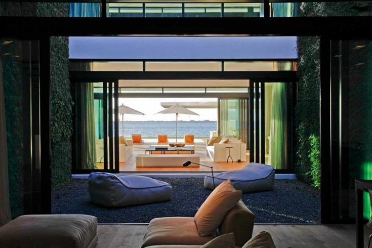 Stunning Waterfront Modern Masterpiece by Ralph Choeff in Miami Beach | HomeDSGN, a daily source for inspiration and fresh ideas on interior design and home decoration.