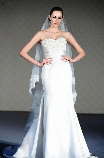 Saison Blanche Wedding Gown - Boutique Collection - Style #B3111