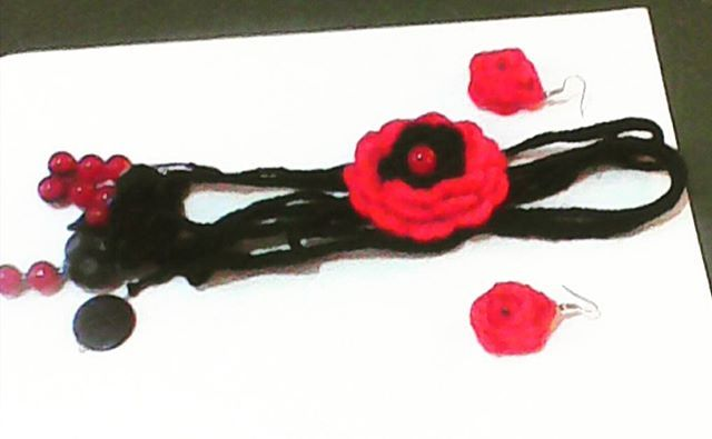 Collar + pendiente  #Tejidoacrochet  #tissuesready #tendencia #tissuesplease #tissues #crochet #hechoamano #hechoenvzla #hechoconamor #tejidos #tejiendoconamor #moda #modajuvenil_ec #chile #colombia #chic #tiendaonline #belleza #ventasonline #venezuela #pendientes #peru #accessories #argentina #españa…