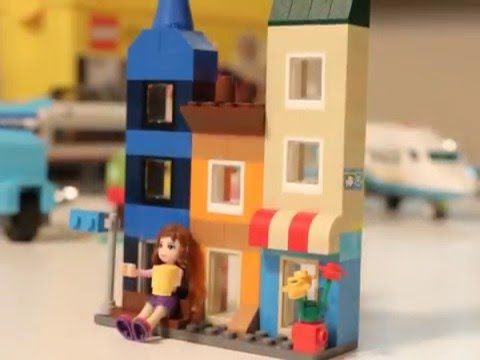 Beautiful Downtown Apartment Building - Lego Classic 10698